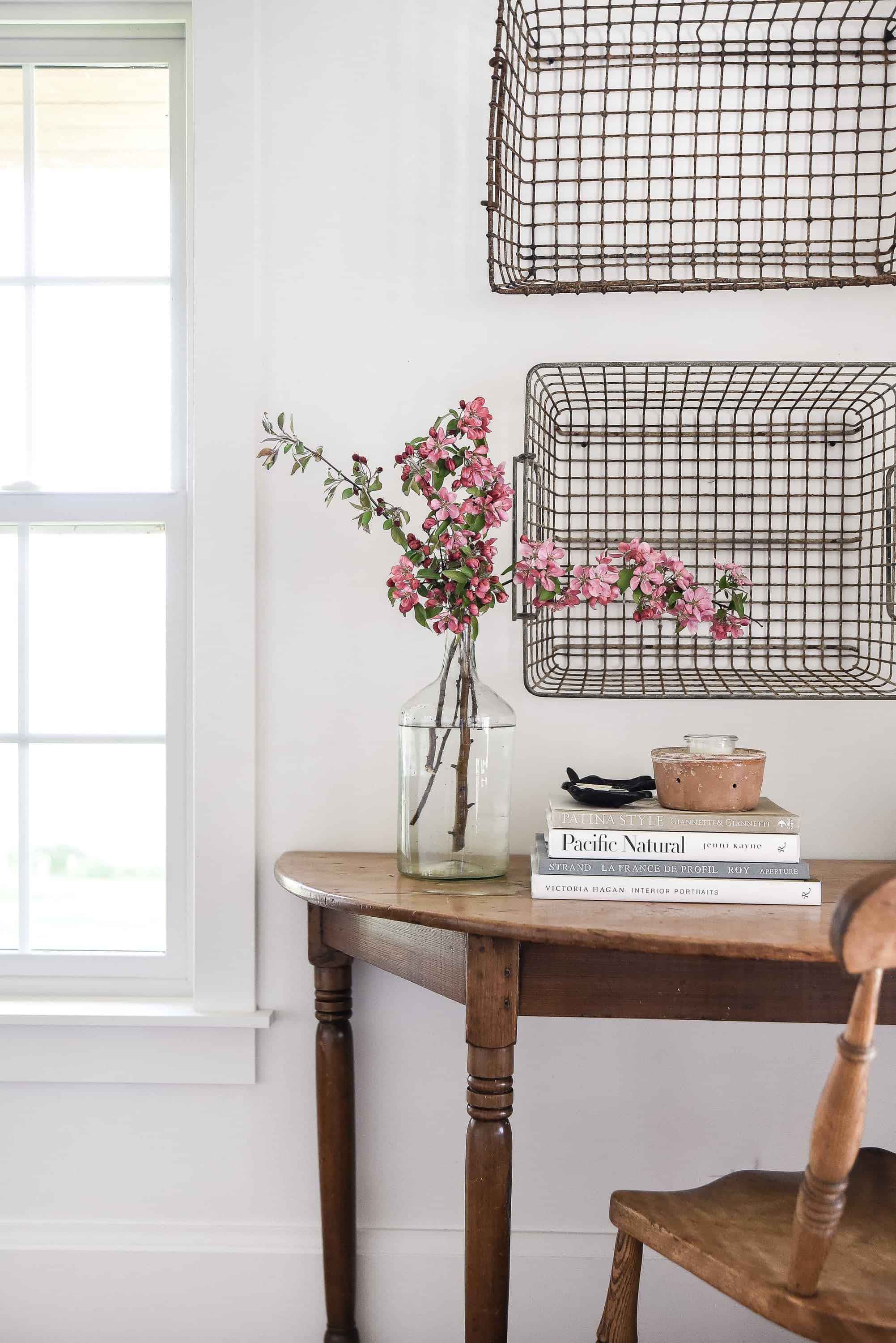 As the weather warms up, freshen up your home with some simple summer home decorating ideas!