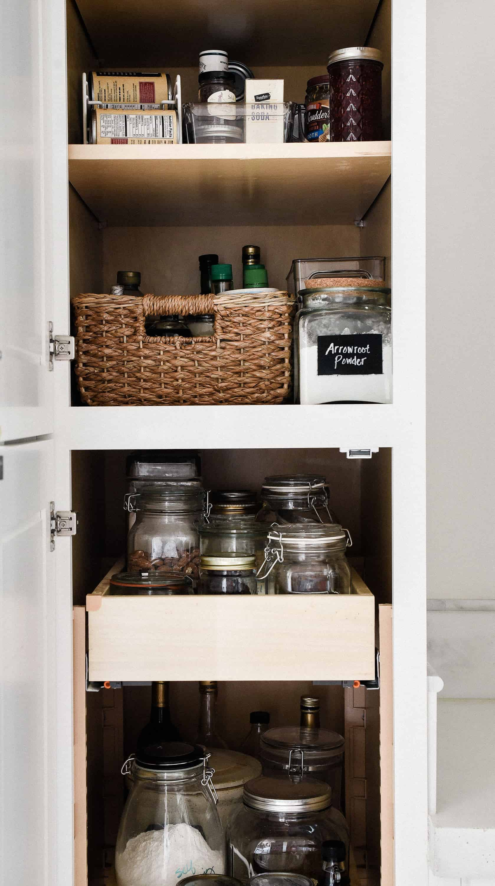 Looking for easy ways to organize your kitchen and home? Use my free printable kitchen cabinet clean-out checklist, and scroll down to get more organization ideas & printables!