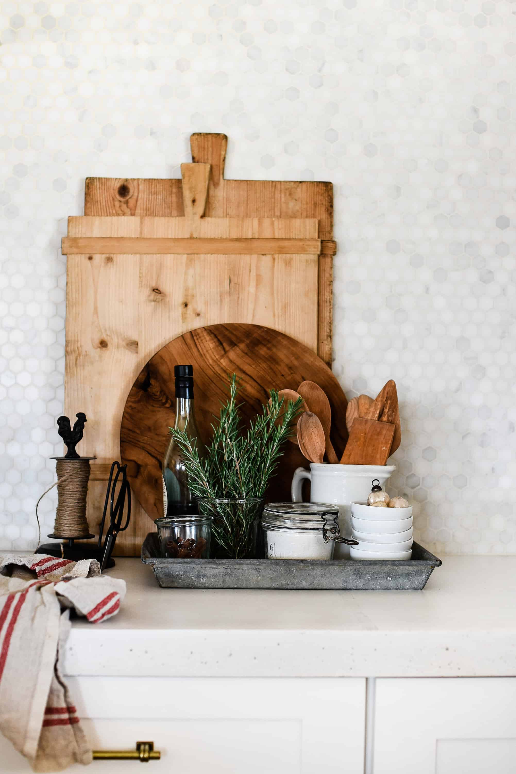 Using vintage or found items in conjunction with a few beautiful newbies for a beautiful modern farmhouse Christmas!