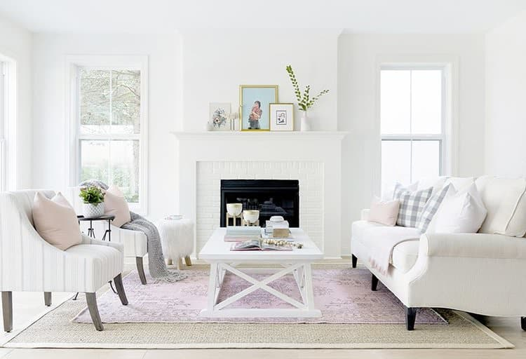 Whether that be through something as simple as a new set of napkins, or with more of a commitment like an area rug or runner, adding a bold pop of pink with textiles is a great way to add a bit of character and warmth to a space.