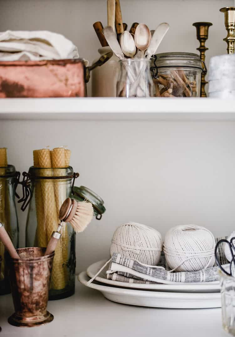 Simple tips to add to your daily routine for a more organized life!