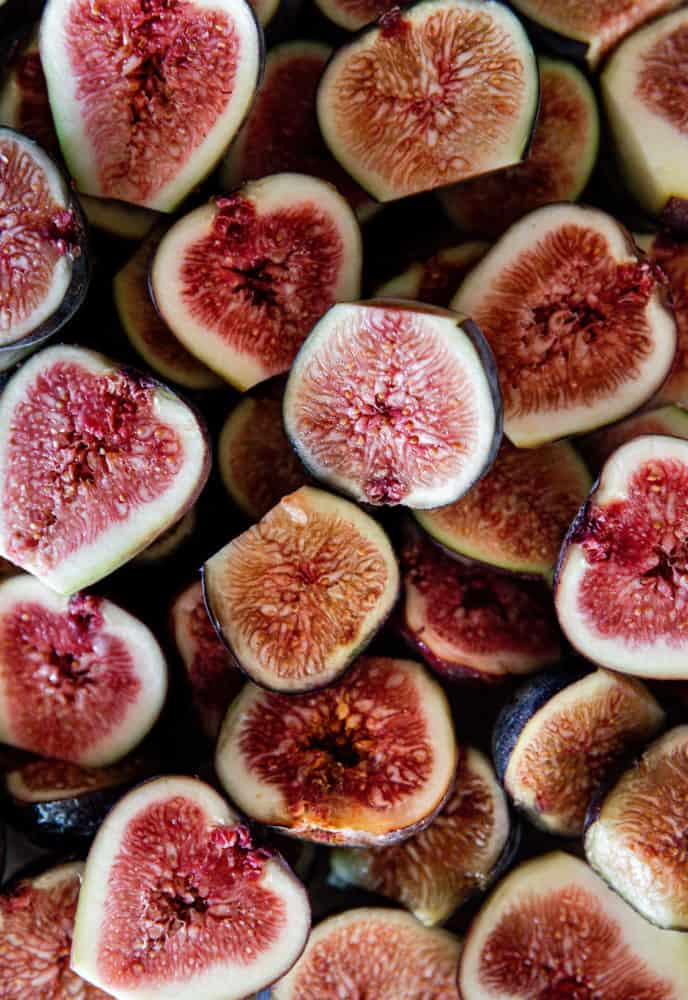 A pretty image of halved figs.
